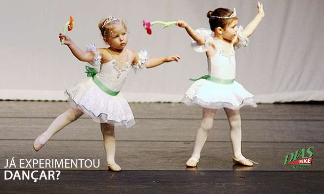 Meninas dançando balé