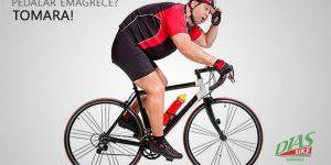 Ciclista obeso pedalando
